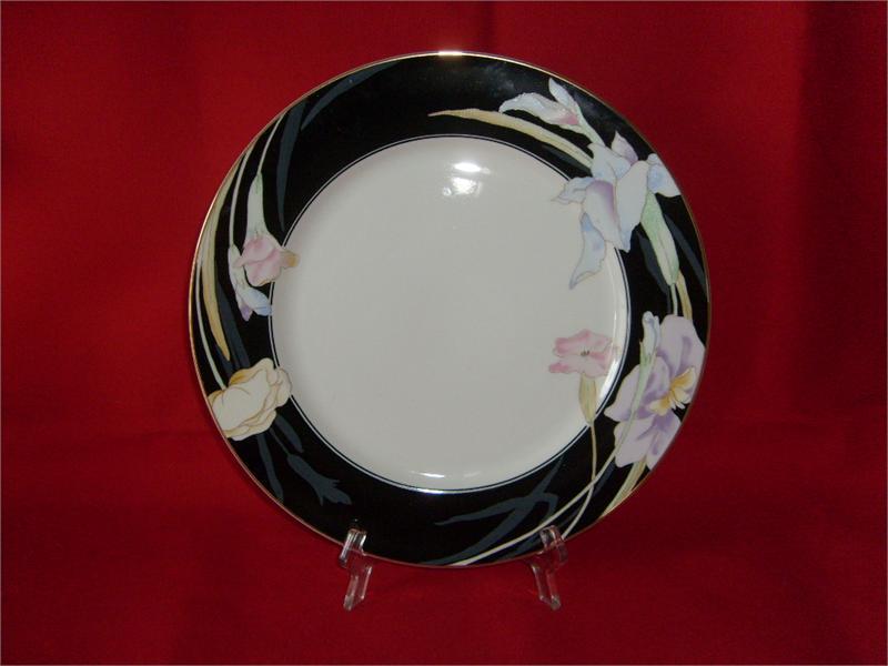 Mikasa Charisma-Black China #L9050 (1) Dinnerplate