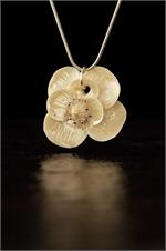 Belleek Bloom Necklace